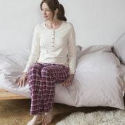 Living Crafts_pyjama_creme-rood_biologisch-katoen_organic-cotton_vegan_dithabonita2