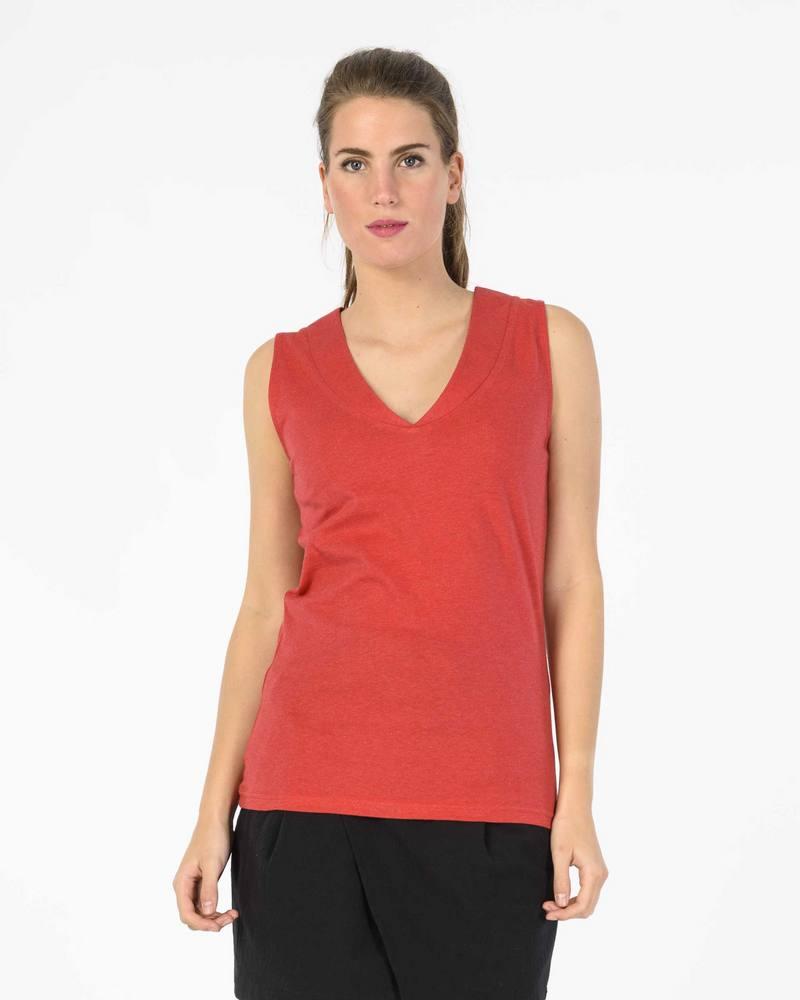 Skunkfunk_top_T-shirt_v-neck_rood_DithaBonita_biokatoen4_S18_HAMABOST_WBC00041_P3_OFB