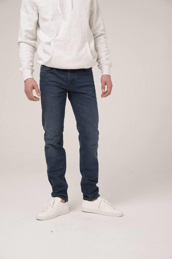 MUD-jeans_herenjeans_dithabonita_Man-Ethical-Jeans-Regular-Dunn-True-Indigo-fullfront-1