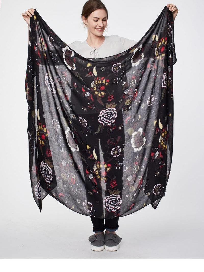 Thought_DithaBonita_shawl_PAVANNE_Super-Soft-Bamboo-Sarong_Scarf-graphite_wac3874-graphite--pavanne-super-soft-bamboo-scarf-0002