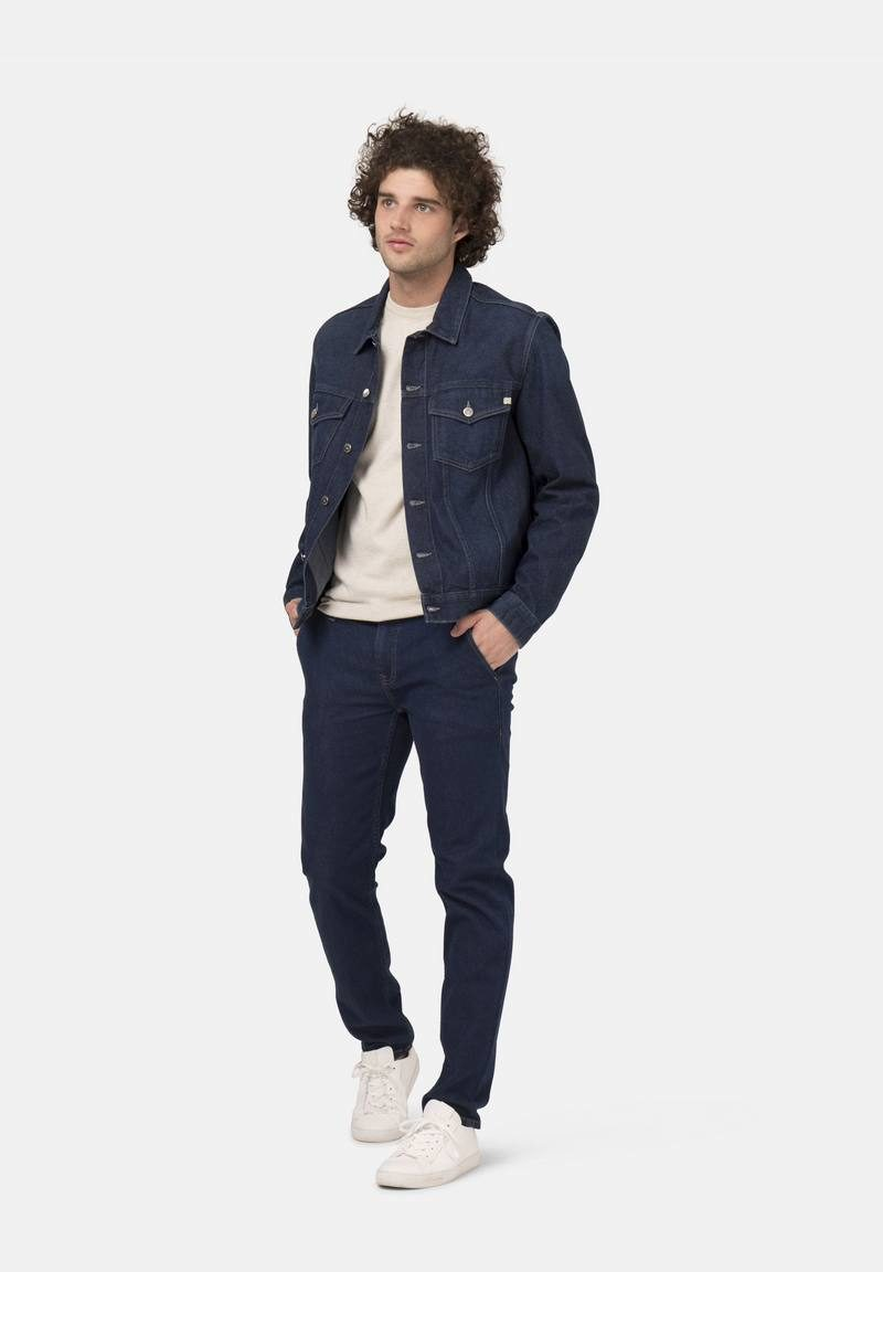 MUD Jeans_fairtrade_DithaBonita_Man-Organic-jeans-Dunn-Chino-Strong-Blue-fullfront-2
