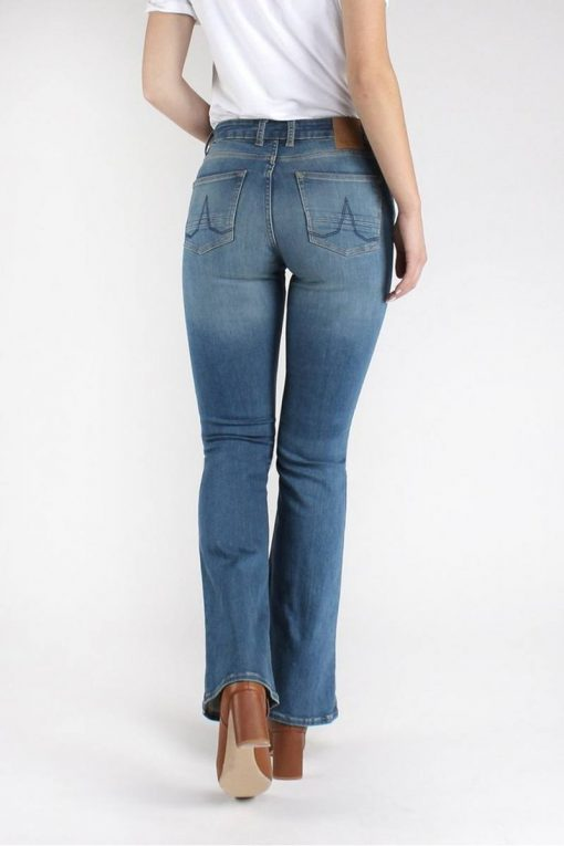 Kuyichi-Jeans-Amy-Bootcut-Essential-Medium-Blue