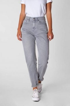 Kuyichi-Jeans-Nora-loose-tapered-grey